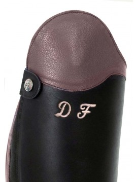 Personalising: initials on riding crop